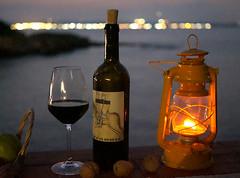 still life di ferragosto (Ernemann) Tags: stilllife naturamorta paesaggio lanterna