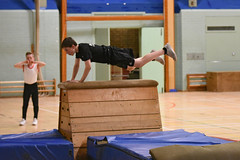 DSC_6103 (Amateur 'tog from Exeter) Tags: royalmarinescommando marinecadets rmvcc vcc ctcrm rm ctc lympstone military physdisplay babybootneck gym vaulting frontflip backflip kids children child pti pe exmouth exeter