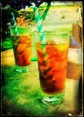Iced Tea at the Beach, Hawaii (augenbrauns) Tags: hawaii iphoneography iphone7plus beach icedtea