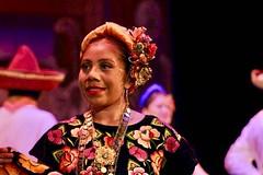 Espectáculo Guelaguetza con la Compañía de Danza Costumbrista de Oaxaca