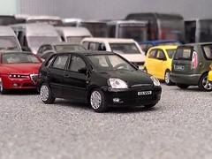 Ford Fiesta (quicksilver coaches) Tags: ford fiesta hongwell cararama 172 176 oo diecast model