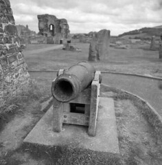 Aberystwyth Castle (StefanKoeder) Tags: aberystwyth castle ruins wales uk hasselblad distagon orwo np20 expired ddr gdr analog film 120 mf