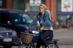 Copenhagen Bikehaven by Mellbin - Bike Cycle Bicycle - 2018 - 0031 (Franz-Michael S. Mellbin) Tags: accessorize bici bicicleta bicicletta biciclettes bicycle bike bikehaven biking copenhagen copenhagenbikehaven copenhagencyclechic copenhagencycleculture copenhagenize cycle cyclechic cycleculture cyclist cykel cyklisme denmark fahrrad fashion fiets people rower street sykkel velo velofashion vélo