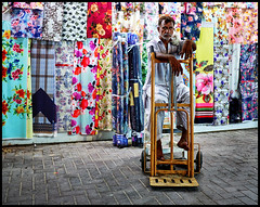 time for break (Lukas_R.) Tags: fujifilm fuji xe3 fujinon 23mm f20 street dubai travel color people work workplace worker break city night