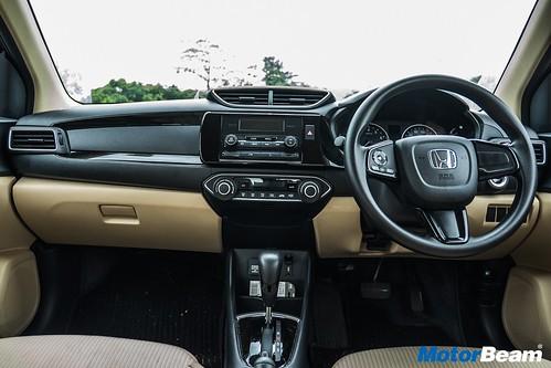 Honda-Amaze-vs-Maruti-Dzire-22