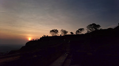Lion Rock Fortress 獅子岩 (MelindaChan ^..^) Tags: melindachan lion rock fortress 獅子岩 srilanka 斯里蘭卡 chanmelmel mel melinda sunset duck top silhouette people life nature