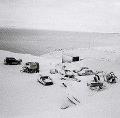 oublier tout (asketoner) Tags: cars snow iceland abandoned park winter ocean water hill décharge carcasse repair north