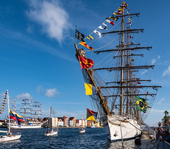 _DSC0555 (suriphoto) Tags: ship harbor curacao caribbean willemstad 2018 velalatinoamerica blue white flags monuments innercity boat sky water people building
