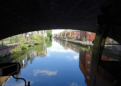 08 | under Watlington street bridge – river Kennet (Mark & Naomi Iliff) Tags: river cruise thamesrivercruise boat mv ladycaroline kennet bridge reflections
