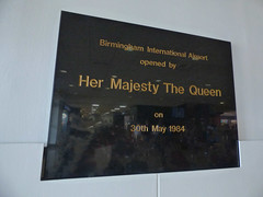 Birmingham International Airport opened by Her Majesty the Queen (ell brown) Tags: birminghamairport bhx solihull birmingham westmidlands england unitedkingdom greatbritain bickenhill metropolitanboroughofsolihull caffenero cometrd plaque birminghaminternationalairportopenedbyhermajestythequeenon30thmay1984 birminghaminternationalairport hermajestythequeen thequeen elizabethii queenelizabethii