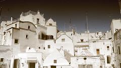 The White Towns, Part 1 (Coquine!) Tags: christianleyk italy italia italien puglia apulia apulien valeditria martinafranca white weiss vintage houses town architecture