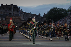 Edinburgh Military Tattoo 2018-81 (Philip Gillespie) Tags: edinburgh scotland canon 5dsr military tattoo international 2018 100 years raf army navy the sky is limit edintattoo raf100 edinburghtattoo people crowd fun lights fireworks dancing dancers men women kids boys girls young youth display planes music musicians pipes drums mexico america horses helicopters vip royal tourist festival sun sunset lighting band smiles red blue white black green yellow orange purple tartan kilts skirts castle esplanade historic annual