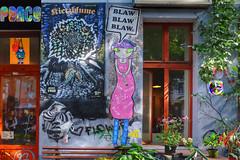 Joiny Blaw Blaw Blaw in Berlin Fridrichshein (Marco Braun (In holidays)) Tags: streetart graffiti sticker colourful farbig bunt multichrome 2017 joiny graffitirainbow arcenciel schrift scriptfriede peace paix pax vrede liebe love amour amor berlin friedrichshein deutschlandgermanyallemagne