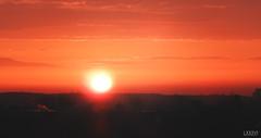 Sonnenuntergang Möwen über Kieler Förde (LXXXVI) Tags: sonnenuntergang kiel förde frühling kielerförde aprilorange rot sunset wolken möwe möwen dächer windrad windrädernahaufnahme sky himmel norden schleswigholstein ostsee baltic meer küste