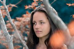 Lisa (Diego Pianarosa (aka Pinku)) Tags: diego pianarosa pinku lisa girl ragazza figlia daughter bianco e nero bw blackwhite ritratto portrait wow beauty beautiful bella soe donna woman erba