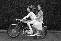 023 (rik.kiekens) Tags: twins sisters brunette 2girls girls beautifulgirls beautifuleyes cutegirls people portrait