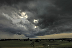 Storm Clouds streaming in (Klaus Ficker --Landscape and Nature Photographer--) Tags: storm clouds thunderstorm wind rain lighting sunset evening landscape kentuckyphotography klausficker canon eos5dmarkiv usa kentucky