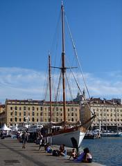 Marseille (Maxofmars) Tags: marseille marsella marsiglia france francia europe europa été summer boat barco voilier bateau port porto puerto harbour quai