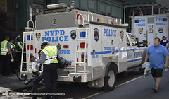 2012 NYPD ESU truck (ESS) (nyfrp) Tags: new york state nys city nyc manhattan downtown midtown flatiron district building nypd fdny mount sinai nysp police car vehicle policecar pd communincations truck ambulance charger fpis ford chevy explorer taurus esu emergency services