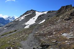 bientôt le Col de Torrent (bulbocode909) Tags: valais suisse moiry grimentz valdanniviers montagnes nature sentiers nuages paysages neige névés vert bleu