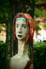 hager (Pico 69) Tags: skulptur museumsdorf frau skurill pico69 ausstellung bunt stillleben