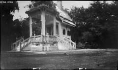 temple krasang (Matt Jones (Krasang)) Tags: pinhole coffee tin temple thailand black white rollei rpx 100 hc110