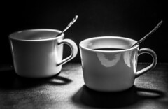 Coffee time (Jose Rahona) Tags: cafe coffe hora tiempo tarde sobremesa blancoynegro blackandwhite bw byn monochrome