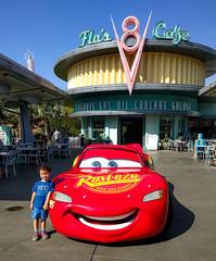 Wesley and Lightning McQueen (Justin Kane) Tags: anaheim california unitedstates us adventure disney lightning mcqueen pixar racecar car flos v8 cafe