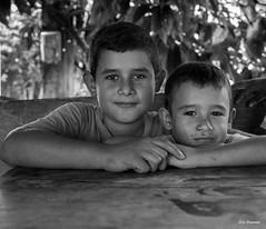 Série Guatémala - Enfants d'un village (Eric Bromme) Tags: guatémala guatemala enfants villageois chidren portraits visage rosto retrato retratoembrancoepreto faces regard pose