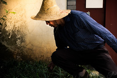 China Farmer (Mystikopoulos) Tags: suzhou farmer paysan china tea chinese explore create asia travel mystikopoulos hat agriculture