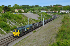 66524 at Old Sodbury on 17th May 18' (LusitaniaD225) Tags: 66524 coaltrain oldsodbury chippingsodburytunnel class66 freightliner electrificationmasts gwmlelectrification gwml