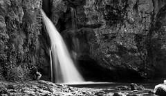 Quant la cascade invite à la réflexion ! (Num-Eric) Tags: nikon d850 chute réflexion gorges rivière zen attitude noirblanc