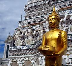Buddhist Temple of the Dawn (RJAB2012) Tags: watarun templeofthedawn temple buddhist bangkok thailand chaopraya 100v10f