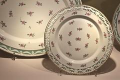Kurland Service (just.Luc) Tags: tableware servies service porcelein porcelaine porcelain porzellan plat bord assiette charlottenburg berlin berlijn schlosscharlottenburg charlottenburgpalace châteaudecharlottenbourg slotcharlottenburg allemagne deutschland duitsland germany europa europe museum museo musée
