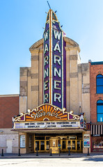 Warner Theatre (Eridony (Instagram: eridony_prime)) Tags: erie eriecounty pennsylvania downtown constructed1930 theater theatre movietheater historic nrhp nationalregisterofhistoricplaces