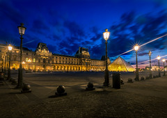 Louvre Paris at the Blue Hour (andreasmally) Tags: paris louvre pyramiden pyramids night france frankreich