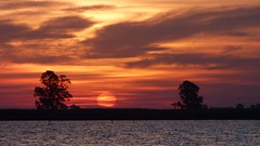 P1090402 (kchocachorro) Tags: landscape phothoart photographer photography sunset sun atardecer lake laguna beautylandscape greatpicture greatshot clouds sol shadows sombras