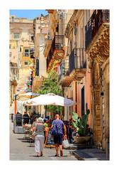 Touris (Gil V) Tags: sizilien sicilia sicily noto tourismus stadt altstadt spätbarock balcony balkone treppe scala stair feigenkaktus pricklypear urlaub holiday vacanca unescowelterbe unescoheritagesite werbung advertising