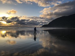 Oregon coast (RaminN) Tags: sunset clouds coast oregon beach manzanita pacificnorthwest
