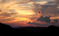 OKIMG_4549 (taymtaym) Tags: sunset tramonto montagna montagne cime arancio orange layers strati nubi nuvole clouds 5y66634e2