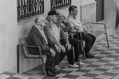 meet the experts.jpg (FraVal Imaging) Tags: cómpeta spain flickr andalusien street espana andalucia streetphotography competa bw blackandwhite spanien axarquia