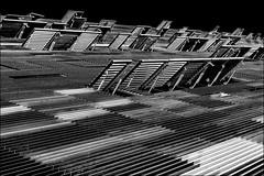 Ouvertures / Openings (vedebe) Tags: fenêtres volets architecture ville city rue street urbain urban urbanarte ouvertures géométrie lignes noiretblanc netb nb bw monochrome