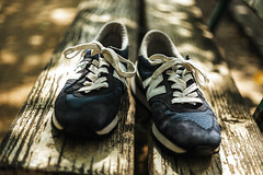 Walking in the Sun (moaan) Tags: kobe hyogo japan jp shoes sneakers repairedshoes changeofmood refreshed repaired oldsneakers sneakeraddict positivevibes positivethinking light sunlight dappledsunlight outdoors takearest focusonforeground selectivefocus depthoffield bokeh bokehphotography dof leica leicamp type240 summicron 50mm f20 dr leicasummicron50mmf20dr utata 2018