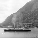 Cruise ship on the fjord, Stryn, 1910 thumbnail