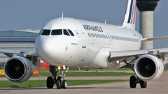 F-HEPE (AnDyMHoLdEn) Tags: airfrance a320 skyteam egcc airport manchester manchesterairport 23l