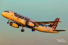 VH-VNC TT A320 34L YSSY-2780 (A u s s i e P o m m) Tags: tigerair tiggoz tiger airbus a320 syd yssy sydneyairport
