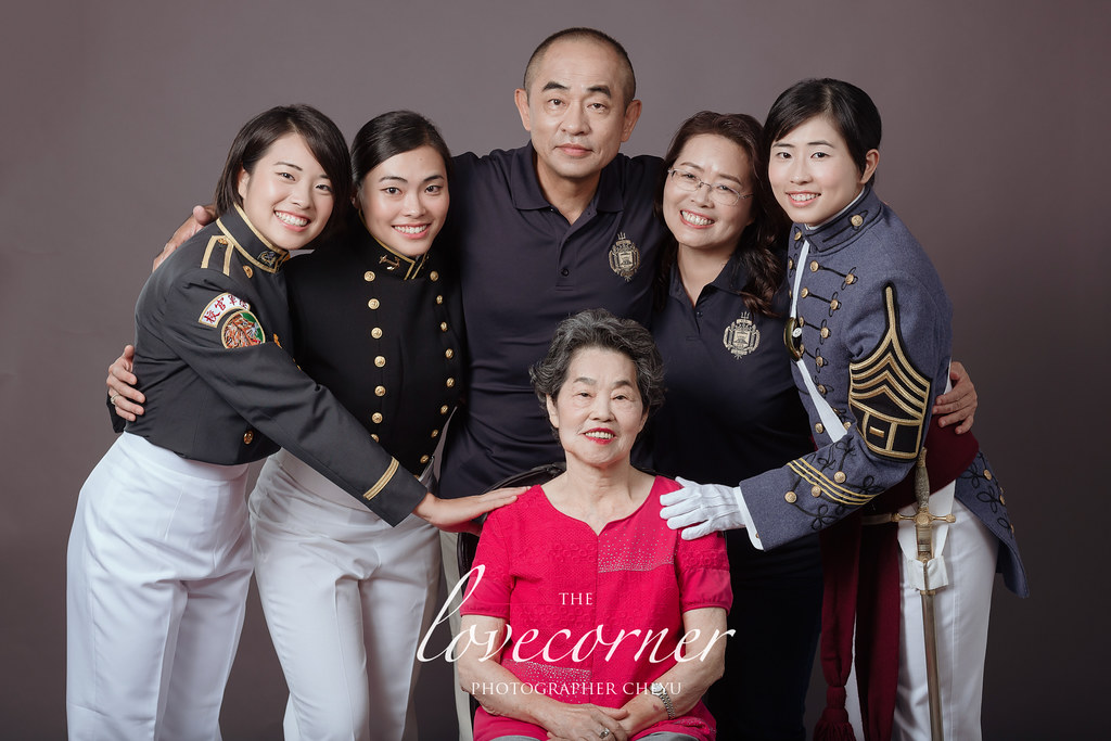 台南全家福拍照推薦!留下全家人的回憶!愛情街角