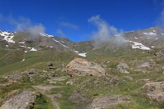 bientôt le lac des Autannes (bulbocode909) Tags: valais suisse moiry grimentz valdanniviers montagnes nature paysages nuages sentiers rochers neige vert bleu coldetorrent groupenuagesetciel