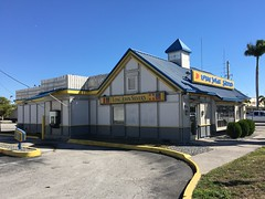 Long John Silver's Hialeah (Phillip Pessar) Tags: long john silvers qsr fast food fish hialeah