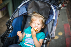 Enjoying a donut (matt.sellars) Tags: pikeplacemarket seattle travel